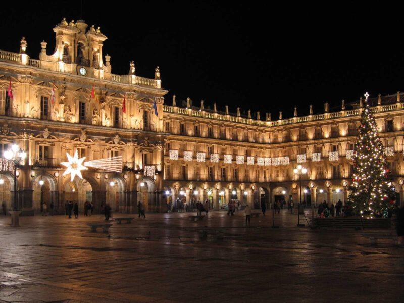Otro monumento que apuesta por la ILUMINACIÓN LED: La Plaza Mayor de Salamanca
